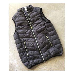Fabletics Fenway puffer Athletic vest coat